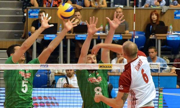 България не успя да надвие световния шампион Полша