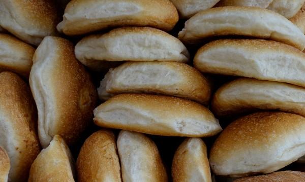 Порожанов на среща с веригите: Не вдигайте цената на хляба!