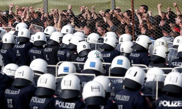 Европейците още с отворени врати към бежанците