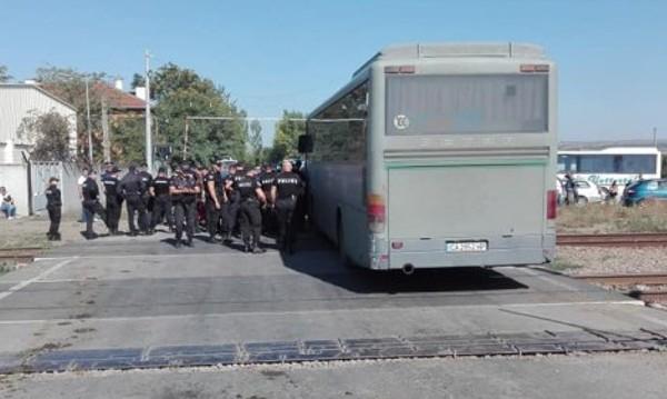 Работници на Миню Стайков на протест: Загубваме прехраната си!