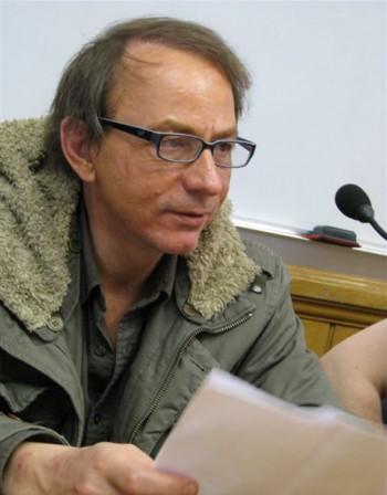 Потайният писател Мишел Уелбек се ожени за съседка