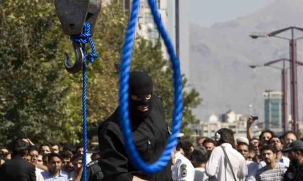 9 екзекутирани в Иран – насилили групово жена