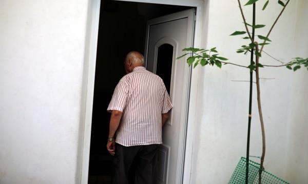 Гърците прииждат: Пенсионери емигрират у нас, за да оцеляват!
