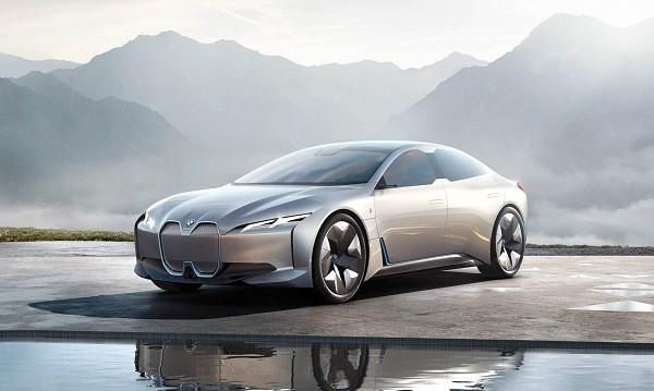 От BMW готови с култовия i4 през 2021 г.