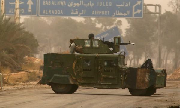 Сирийски бунтовници изтеглят оръжията си от Идлиб