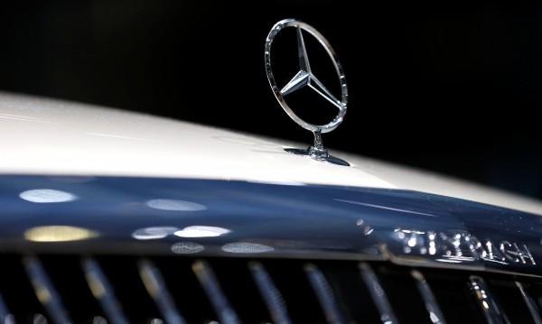 Кич! Арабски шейх си поръча златен Mercedes