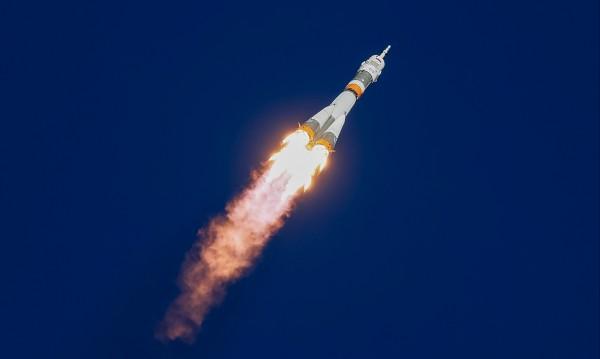 """Авария при изстрелването на """"Союз"""" с двама космонавти. Живи са!"""