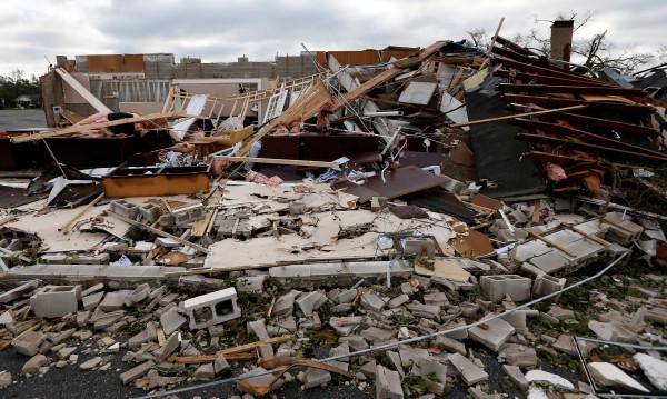 """Ураганът """"Майкъл"""" взе най-малко седем жертви"""