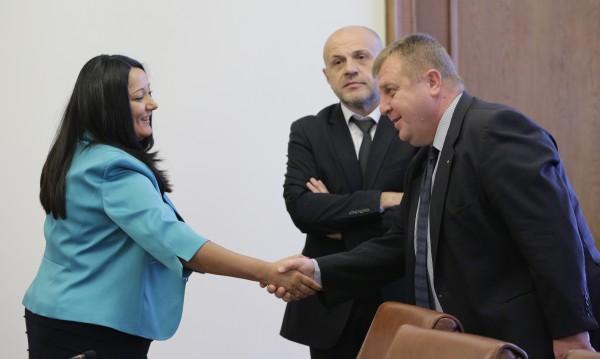 Павлова остава министър! До края на еврошефството на Австрия
