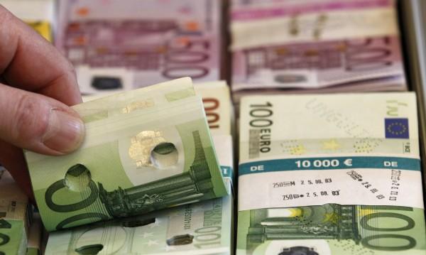 Турци опитаха да пренесат през Калотина €42 000