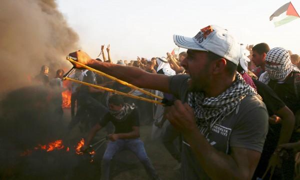 Израел спира доставките на гориво за ивицата Газа