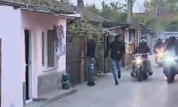 Рокерите при ромите в Русе: Ровят в рана, излишна демонстрация!