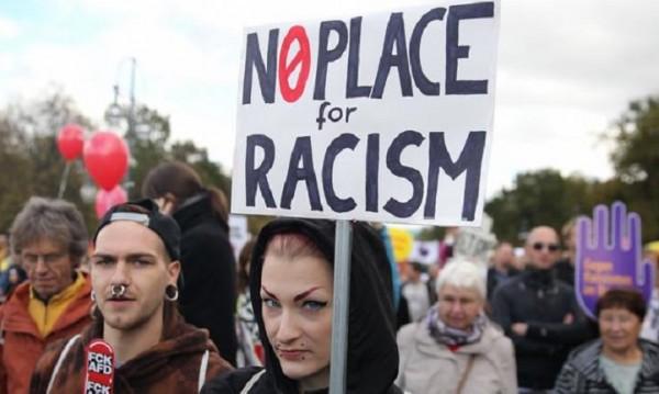 150 000 германци скочиха на АзГ: Единни срещу расизма!