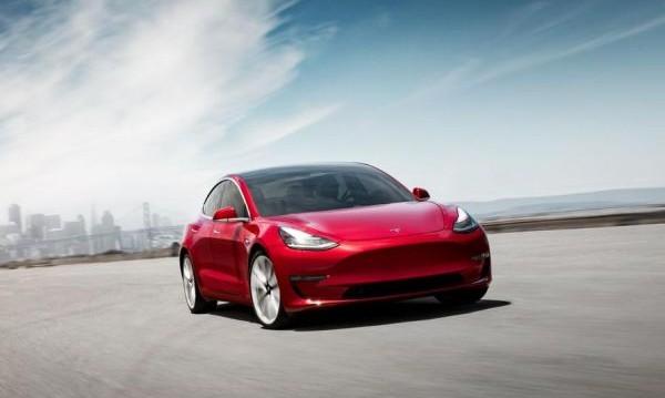 Илон Мъск пусна още по-евтина кола: Бюджетният Model 3