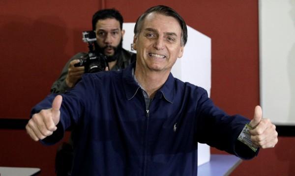 Хиляди на протест срещу фаворит за нов президент на Бразилия