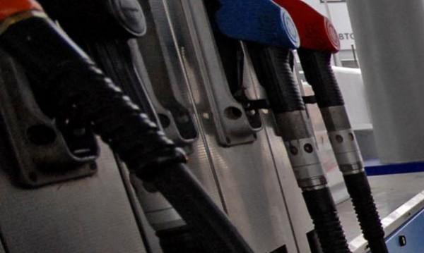 Литър ли е литърът? Всяка трета бензиностанция ни цака!