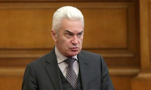 Сидеров атакува, иска незабавен КС за оставката на Симеонов