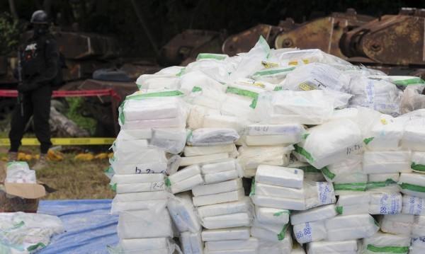 Българин и още 9 души заловени с 1400 кг кокаин