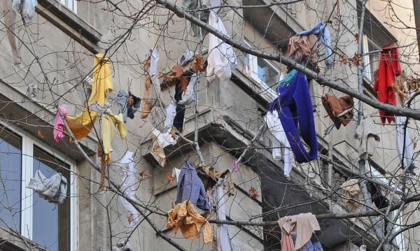 """Такса """"рециклиране""""! Ще поскъпнат ли дрехите втора употреба"""