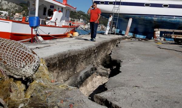Гръцкият остров Закинтос: Над 60 вторични труса