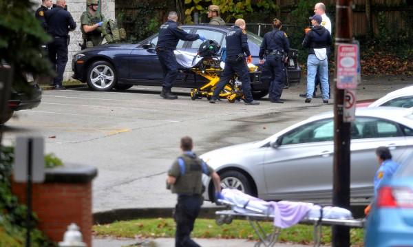 Най-малко 10 души убити при атаката в синагога в Питсбърг