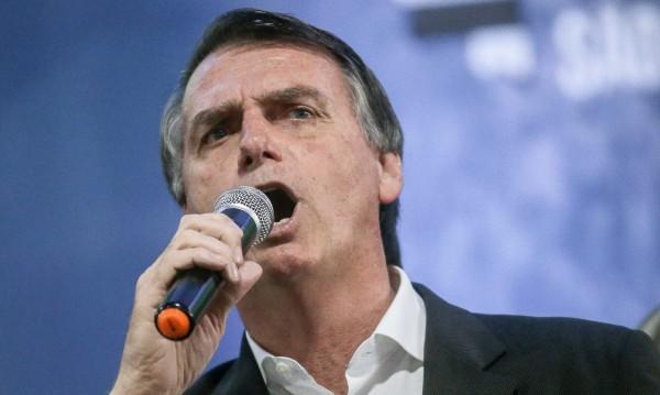 Бразилия ликува! Десният Болсонаро – президент!