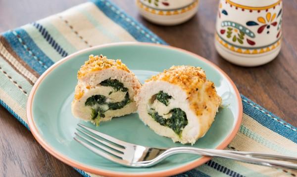 Рецептата Dnes: Пълнено пилешко със спанак и синьо сирене