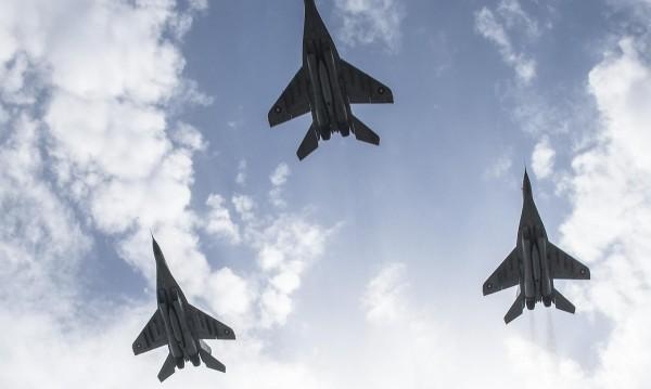 БСП срещу сделката за ремонта на Су-25. Защо eдин участник?