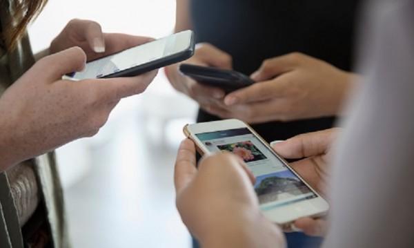 Животът ни е... онлайн! Кои социални платформи ни следят? Как?