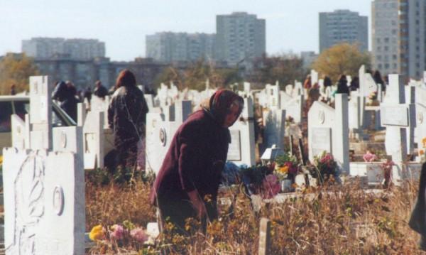Днес е Архангелова задушница, отдаваме почит на мъртвите