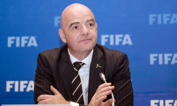 Скандал във футбола: Инфантино спасил Сити и ПСЖ