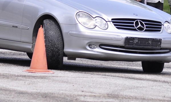 Новите шофьори – на тест за бързи реакции... Пред екрана