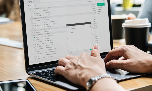 НАП на борба със заплатата в плик: Праща мейли с деклариран доход