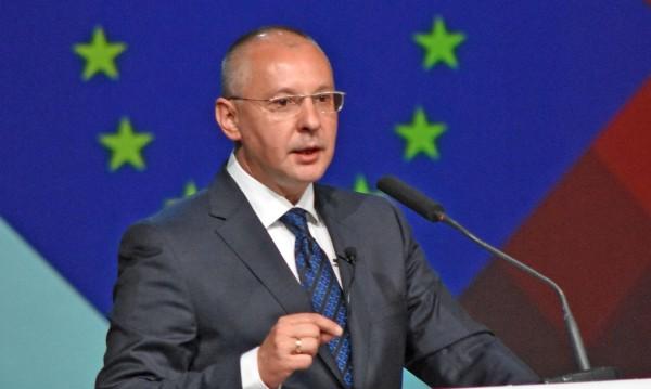 Станишев скочи: ЕНП иска власт, но Европа иска промяна!