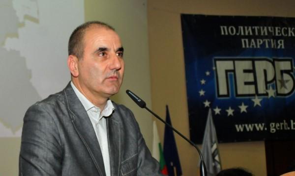 Цветанов за Радев: Не може да излезе от сянката на БСП!