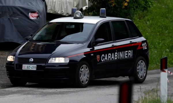 Ромска царица: Със замък, хотели в Италия, 400 луксозни коли
