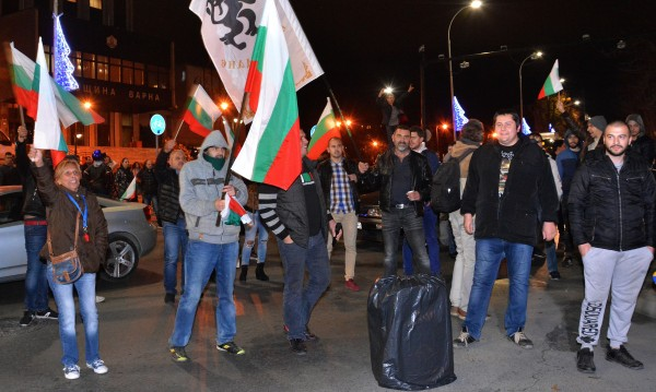 Протестите - не срещу кабинета, а срещу политическата класа