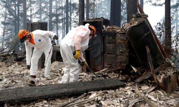 Жертвите от огъня в Калифорния – 48, изчезнали – 230 души