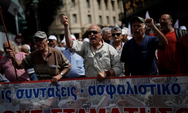 Пенсионерска емиграция: Гъркът лишения не търпи, пирува в България!