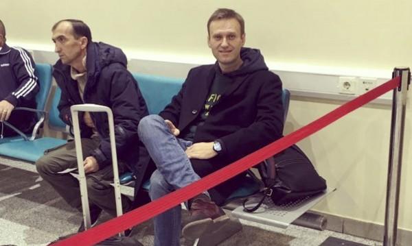 Разрешиха: Навални все пак може да напусне Русия