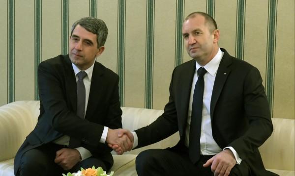 Плевнелиев пита: Защо президента Радев се държи като популист?