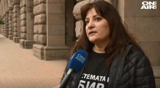 Протестиращи майки – заплашвани с пребиване!?