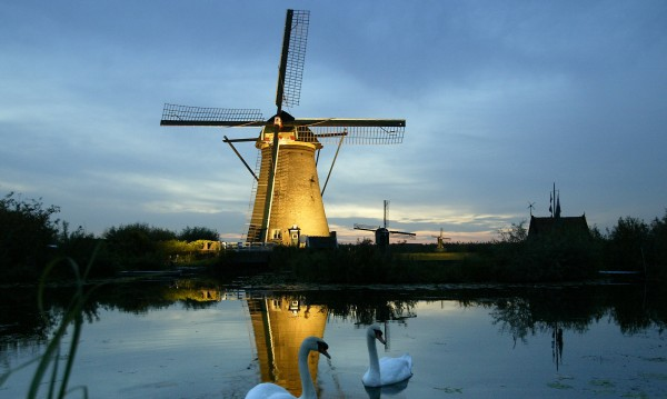 """""""Свръхтуризъм"""" мъчи Холандия. Как да се защитят хората?"""