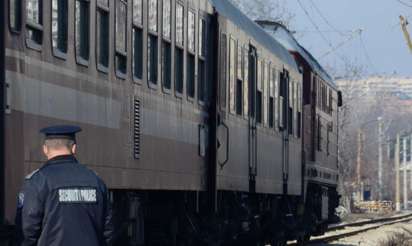 Свада в купето, нож.. Убиха мъж във влака за София