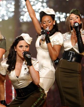 Ретро спомен: Spice Girls отново на сцената