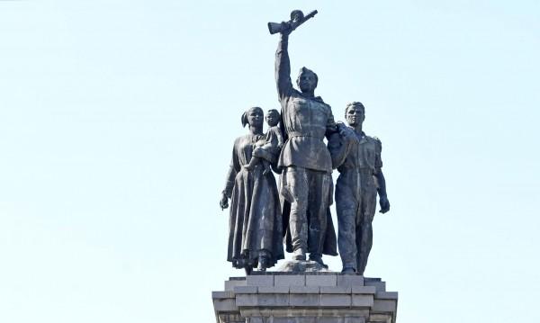 Арест за мъж, рисувал по Паметника на Съветската армия