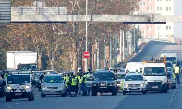 Франция на протест срещу високите цени на горивата