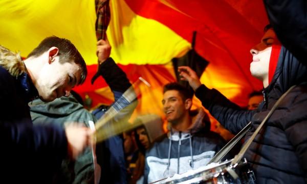 Хиляди на протест в Скопие заради името