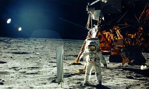 Русия и САЩ заравят томахавката! Обща база на Луната