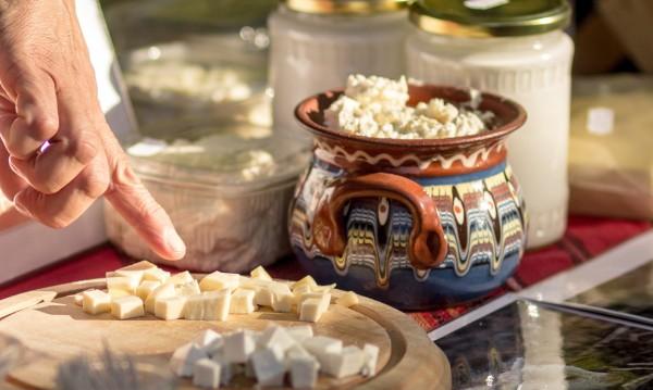 Изследване: Родното фермерското сирене – с бактерии!